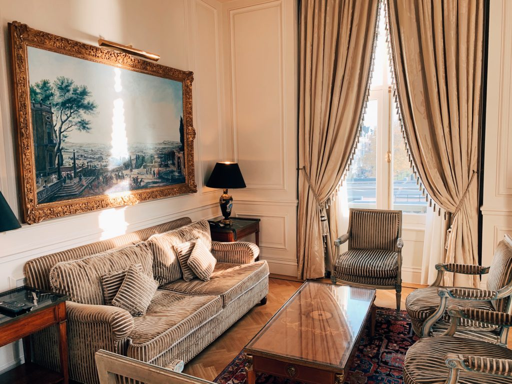 classic-style-living-room-2